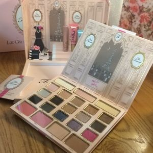Too Faced Le Grand Palais limited edition NWT